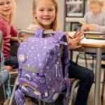 Mädchen in Schule mit Beckmann Schulranzen Modell 2020 Dream